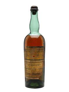 Chartreuse Yellow Liqueur (Tarragona) - Bot.1945-1951 : The Whisky Exchange