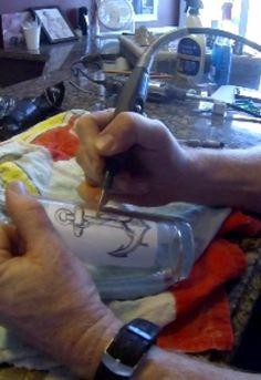 Easy DIY Glass Etching with a dremel grinder. www.DIYeasycrafts.com Dremel Grinder, Dremel Tool Projects, Dremel Ideas, Cut Glass, Glass Art, Glass Engraving, Engraving Ideas, Dremel Carving, Bottles And Jars