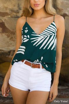 Green Random Leaf Print V-Neck Cami Top, Summer Outfits, Who doesn& love a stylish singlet top? This floral print cami top is a perfect casual top featuring a singlet style with V neckline. Style it wit. Trendy Summer Outfits, Spring Outfits, Casual Outfits, Cute Outfits, White Short Outfits, Outfits With White Shorts, White Shorts Outfit Summer, Blazer Outfits, Casual Clothes