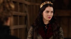 long may she reign , S1E11 Inquisition