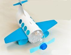 Vliegtuig: spaarpot van plastic fles - thema verkeer www.activitheek.nl onderdeel van www.doenkids.nl