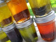 Color Soap Naturally - Infusing oil with herbs and spices