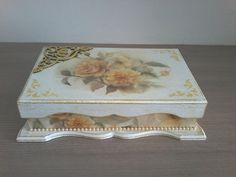Decoupage Vintage, Decoupage Box, Arte Country, Painting On Wood, Stencils, Decorative Boxes, Diy Crafts, Tema Floral, Crafty