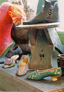 PAPIER MACHE SHOES *some could be catch-alls on the nightstand*