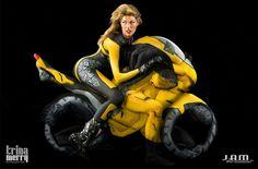 Trina Merry fotos body painting 1  Fotos de personas pintadas formando autos y motos (Body Painting)