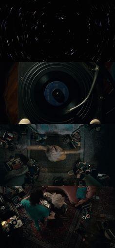 Amantes Eternos (Only Lovers Left Alive, 2013)- Jim Jarmusch,  Bina Daigeler, Tilda Swinton, Tom Hiddleston. Estante da Sala.