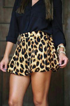 Cute leopard print loose shorts!