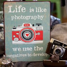 Bilderrahmen: life is like photography. Schwarz gerahmtes Bild: Life is like photography we use the negatives to develop.plus der niedli. Borderline Personality Disorder, Point Of View, Life Is Like, Make Me Happy, Self Help, Art Photography, Geek Stuff, Inspirational Quotes, Sayings