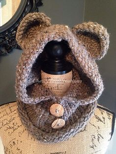 Bear hooded cowl LOOM pattern...this would be adorable for a little kid, but I really want it for me.
