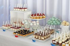 Wedding Desserts, Wedding Cakes, Mini Cupcakes, Dessert Table, Cake Pops, Appetizers, Place Card Holders, Sweets, Impreza