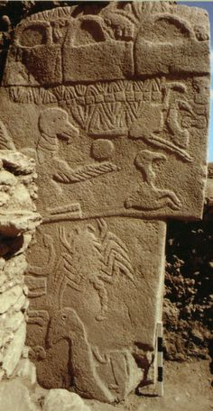 Göbeklitepe- Urfa, 9600 BC (11.600 years ago) - If the pyramids are only 5000 years old then whomever made these are far older than the egyptians!!!!