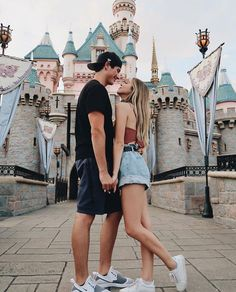Image about love in Relationship Goals💋😍❤ 👫 by ♕ Queen Slayer ♕ - Disneyland Couples, Disneyland Photos, Disney Couples, Relationship Goals Pictures, Cute Relationships, Couple Relationship, Relationship Quotes, Cute Couples Goals, Couple Goals