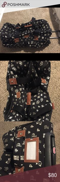 Huge VS PINK duffle bag suitcase Only used 3 times Bags Travel Bags