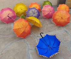 Indian umbrella 10 Pieces of Brand new Decorative Sunshade Umbrella Decorations, Lanterns Decor, Outdoor Decorations, Indian Wedding Decorations, Indian Decoration, Indian Weddings, Mango Flower, Folding Canopy, Umbrella Wedding