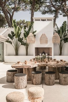 ZOCO HOME PROJECTS | Zoco Home Design Exterior, Interior And Exterior, Outdoor Dining, Outdoor Spaces, Outdoor Decor, Dining Table, Cafe Design, House Design, Outdoor Restaurant