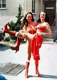 Lynda Carter is Wonder Woman. Lynda Carter in the arms of her stunt double. Linda Carter, Robbie Coltrane, Hugo Weaving, Harrison Ford, Dwayne Johnson, Gal Gadot, Brad Pitt, Wonder Woman, Robert Pattinson