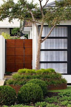 Burns Beach - asian - landscape - perth - Tim Davies Landscaping - gate that doesn't look like a gate Asian Landscape, Garden Landscape Design, Modern Steel Gate Design, Fence Landscaping, Landscaping Design, House Design Photos, Wooden Garden, Garden Gates, Fence Gates