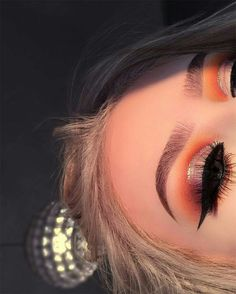 eyeliner – Great Make Up Ideas Glam Makeup, Eye Makeup Tips, Cute Makeup, Makeup Goals, Gorgeous Makeup, Pretty Makeup, Skin Makeup, Makeup Inspo, Makeup Art