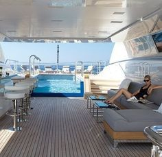 Yacht with a pool. Okay, you forced me into it! Yacht with a pool. Okay, you forced me into it! Super Yachts, Yachting Club, Bateau Yacht, Jet Privé, Luxury Yacht Interior, Hors Route, Private Yacht, Cool Boats, Yacht Boat