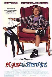 Man of the House is a 1995 comedy film starring Chevy Chase, Farrah Fawcett and Jonathan Taylor Thomas. Childhood Movies, 90s Movies, My Childhood Memories, Good Movies, Comedy Movies, Watch Movies, Walt Disney Movies, Film Disney, Walt Disney Pictures