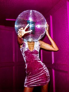 New GIFs for Missguided's latest campaign fronted by octogenarian extraordinaire and living icon Baddie Winkle. Bad Girl Aesthetic, Aesthetic Gif, Purple Aesthetic, Aesthetic Pictures, Photo Rose, Pink Photo, Foto 3d, Musica Disco, Disco Party