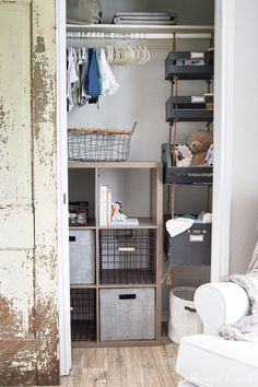Trendy ideas for nursery closet organization diy storage solutions Crate Storage, Diy Storage, Storage Hacks, Storage Solutions, Storage Ideas, Kitchen Storage, Hanging Closet Storage, Nursery Closet Organization, Diy Organization