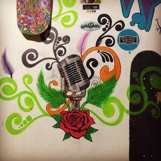 Mural micrófono  arte
