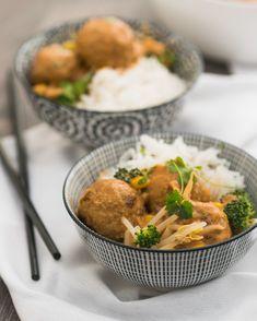 Thaise gehaktballetjes - Heerlijk, eenvoudig comfortfood Thai Recipes, Asian Recipes, Dinner Recipes, Healthy Recipes, Good Food, Yummy Food, Food To Make, Meal Planning, Main Dishes