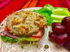 Pan de Avena y Chia en 1 minuto - YouTube Low Card Meals, Healthy Desserts, Healthy Recipes, Breakfast Dessert, Sin Gluten, Gluten Free, Healthy Options, Health Remedies, Salmon Burgers