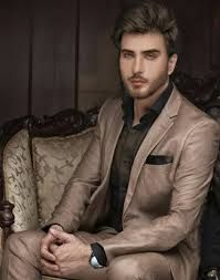 Imran Abbas is very handsome. Mens Fashion Suits, Mens Suits, Beautiful Children, Beautiful People, Dj Movie, Pakistani Models, Boys Dpz, First Tv, Handsome Actors