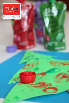 Decorate a simple Christmas tree craft with ornament prints #sponsored
