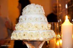Torta nuziale Mason Jar Centerpieces, Mason Jars, Italian Wedding Cakes, Italy Wedding, Destination Wedding, Desserts, Tailgate Desserts, Mason Jar Center, Deserts