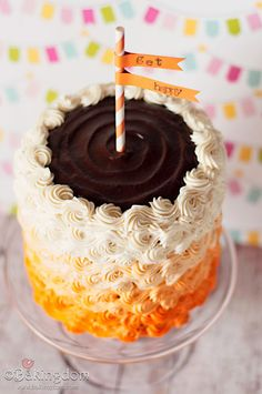 Lightly zesty orange cake filled with rich chocolate filling and covered in ombré swirls of orange cream buttercream. I'm going to have to try to make a cake like this some time Cupcakes, Cupcake Cakes, Beautiful Cakes, Amazing Cakes, Cake Recipes, Dessert Recipes, Desserts, Cakes Plus, Corn Cakes