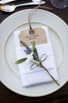 I like the napkin fold with the tag tucked in.