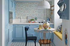 Kis hálószoba világoszöld falszínnel, tolóajtós gardróbszekrénnyel - Lakberendezés trendMagazin Modern Kitchen Lighting, Kitchen Dining, Dining Room, Sweet Home, Floor Plans, House Design, Flooring, Interior Design, House Styles