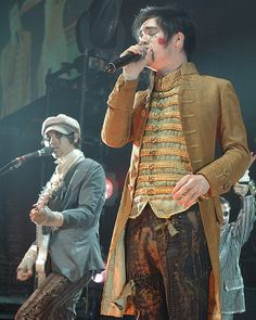 brendon urie a fever you can't sweat out era Dallon Weekes, Sweat Out, Drag King, Happy Birthday To Us, Pete Wentz, Brendon Urie, Panic! At The Disco, Emo Bands, Paramore