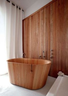 Beautiful wooden bathtub...  More Woodworking Projects on www.woodworkerz.com