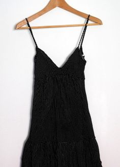 Kup mój przedmiot na #vintedpl http://www.vinted.pl/damska-odziez/krotkie-sukienki/9514156-bershka-czarna-sukienka-na-ramiaczkach-w-kropki-rozm-s