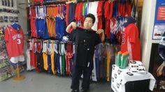 【新宿2号店】 2014年4月27日 JORDANのTシャツを購入して頂きました!遊び心とかっこよさが共存したデザインですね~ NBAトーク楽しみにしてます~(^_-)- #nba