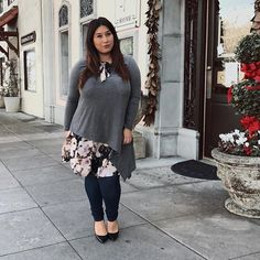 With just a little layering you can play up a basic top. This outfit 👆🏼 is now #ontheblog featuring this top from @hotgingerla . . . . . . #plus #plussize #plussizefashion #fashion #fashionista #ootd #look #outfit #psootd #stylish #curves #falloutfit #fall #plus_isamust #stylefilesplus #goldenconfidence #effyourbeautystandards #love #lookoftheday #outfitoftheday #plusmodelmag #celebratemysize