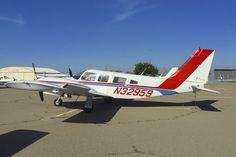 Piper Seneca PA-34 N32959 Tracy California Airport 2015