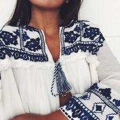 crisp white & blue embroidery gauzy cotton blouse