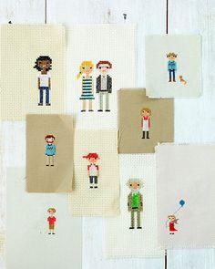 Retratos de família de ponto cruz.