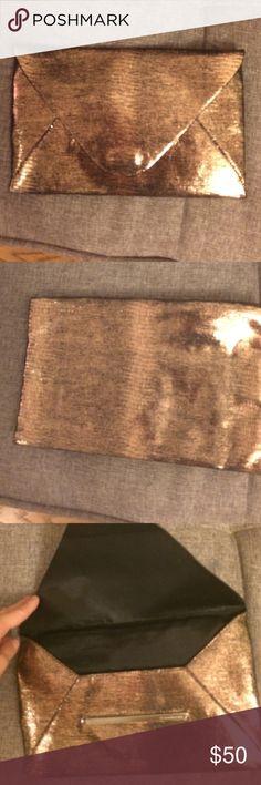 Bcbg metallic clutch Bcbg magnetic closure metallic clutch BCBG Bags Clutches & Wristlets