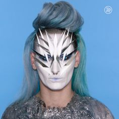 Are you looking for inspiration for your Halloween make-up? Browse around this website for cute Halloween makeup looks. Unique Halloween Makeup, Halloween Make Up, Scary Halloween, Drag Makeup, Makeup Art, Creative Makeup, Simple Makeup, Easy Makeup, Alien Make-up