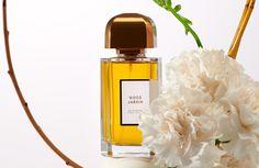 Nature Morte Parfum Fleurs - LUMIPROD Photo Ambiance Composition Photo, Perfume Bottles, Fragrance, Luxury, Beauty, Flasks, Flowers, Perfume Bottle, Beauty Illustration