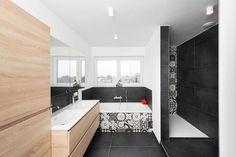 Portes Ouvertes Delta Constructions à Jupille Bathtub, Modernism, Puertas, Standing Bath, Bathtubs, Bath Tube, Bath Tub, Tub, Bath