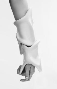 Rein Vollenga's Sculptural Wearables | Trendland: Fashion Blog & Trend Magazine