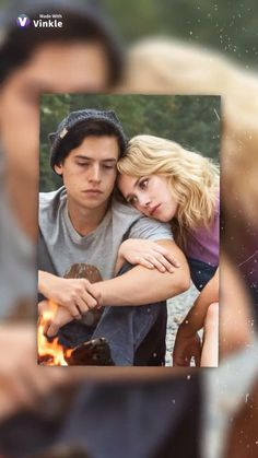 Bughead!!!! Bughead Riverdale, Riverdale Funny, Betty Cooper, Everything Everything Movie, Riverdale Wallpaper Iphone, Riverdale Betty And Jughead, Cole Sprouse Funny, Lili Reinhart And Cole Sprouse, Tv Show Couples