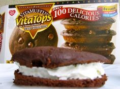 Quick and easy Deep Chocolate VitaTop Whoopie Pie is a chocolate-lovers dream with just 115 calories and 5 Weight Watchers Freestyle SmartPoints! Hungry Girl Diet, Hungry Girl Recipes, Diet Desserts, Weight Watchers Desserts, Healthy Low Calorie Meals, Low Calorie Recipes, Skinny Girl Recipes, Low Fat Chocolate, Ww Recipes